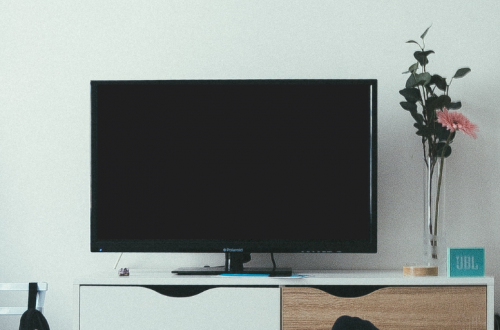 Cómo limpiar pantallas y televisores smart TV LED, LCD o plasma