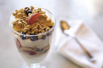 parfait de frutas y yogurt